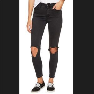 Free people Busted Knee Skinny Black 25
